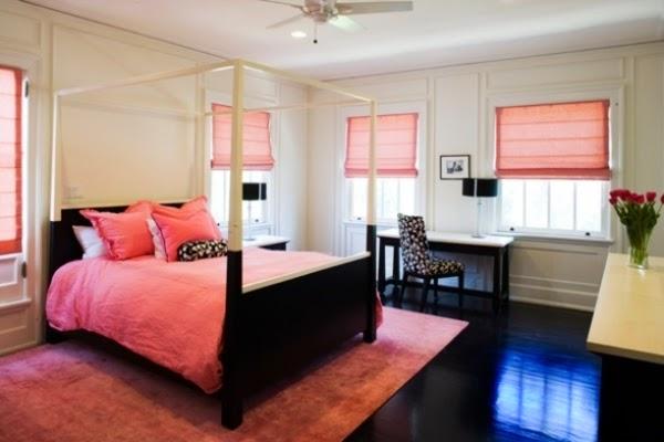 Habitación decorada en negro y rosa