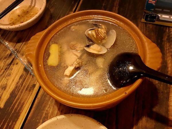 生姜の効いた鶏のスープ