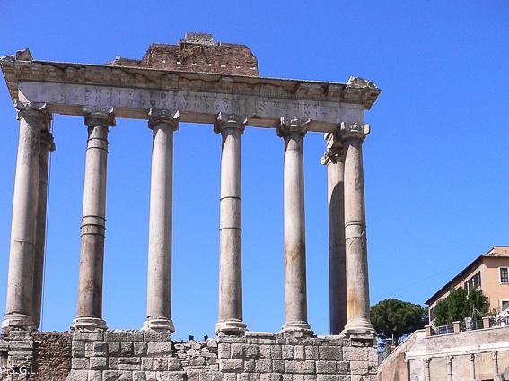 El templo de Saturno. Foro romano