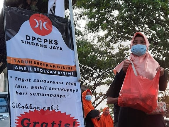 PKS Sindang Jaya Ajak Warga Taruh dan Bagikan Takjil untuk Sesama
