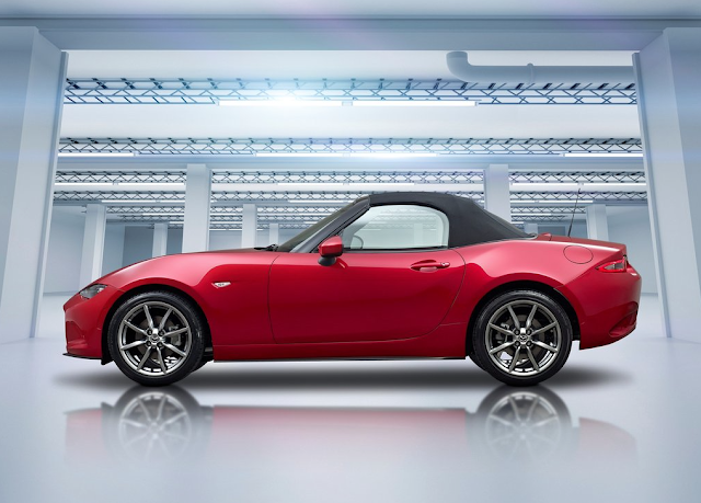 2016 Mazda MX-5 Miata red roof up