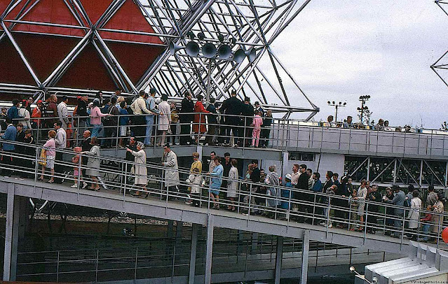 the 1967 Montreal Expo '67 crowds