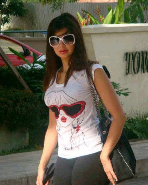 المذيعه الاماراتيه ريهام البسيوني ويكيبيديا حساباتها على مواقع التواصل الاجتماعي