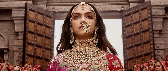Padmaavat (2018) Full Movie [Hindi-DD5.1] 720p BluRay ESubs