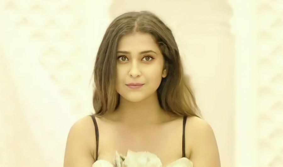 Surbhi Shukla (Possessed Love Ullu Actress) Wiki, Biography, Instagram, Latest Photos, Hot New Stills
