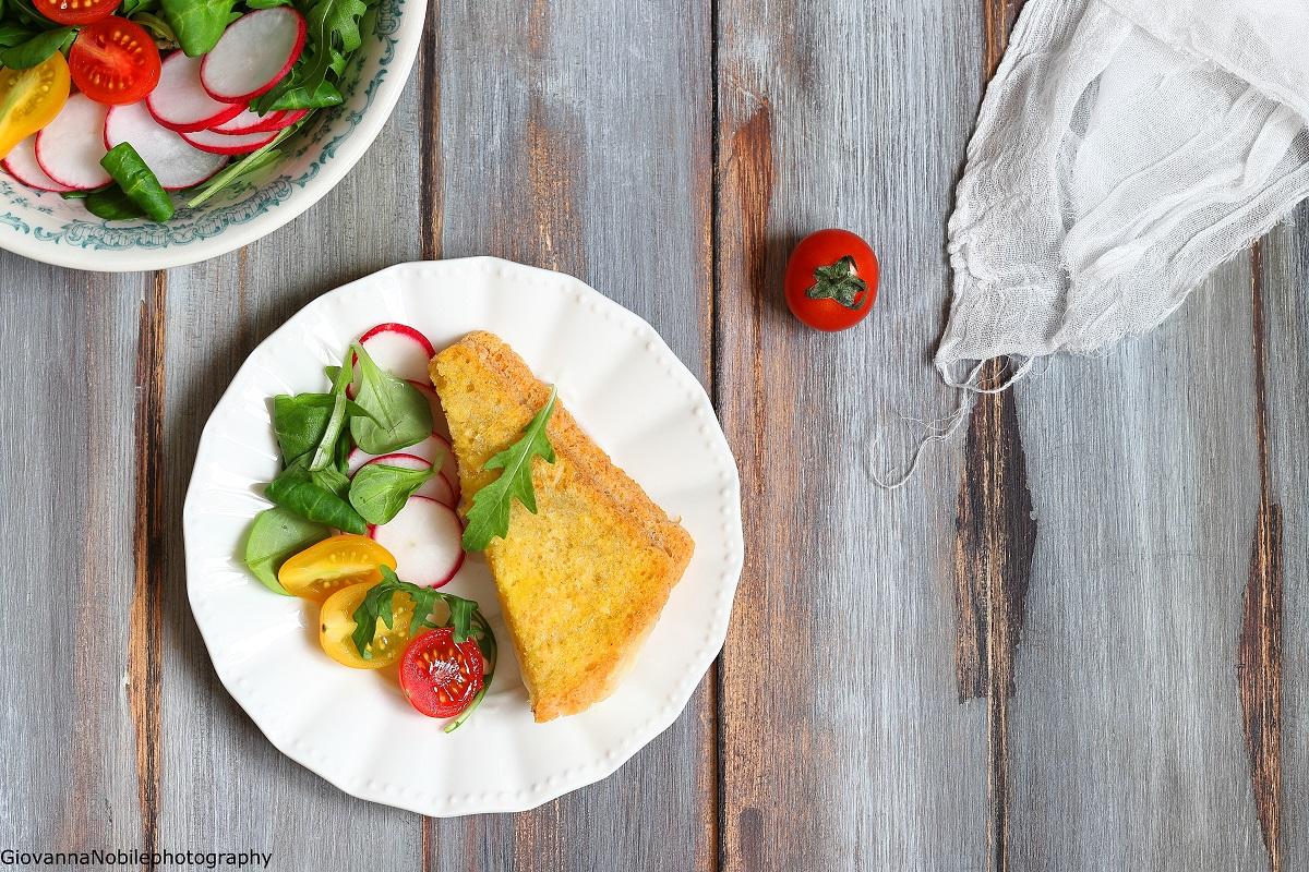 Mozzarella in carrozza con insalatina fresca