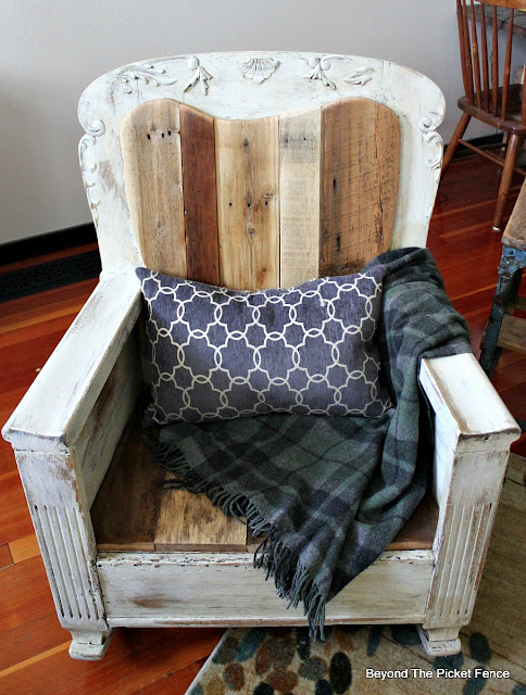 rocking chair, reclaimed wood, salvaged, fusion mineral paint, pallets, https://goo.gl/pstsSB