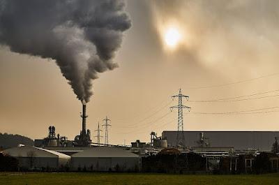 Air Pollution Essay In Hindi - वायु प्रदूषण निबंध