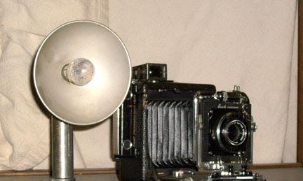 Sejarah Perkembangan Lampu Kilat atau Flash Blitz Dari Masa ke Masa
