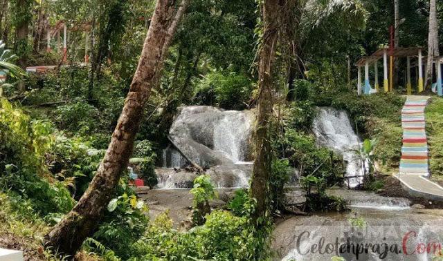 Air Terjun Humogo Gunung Sitoli