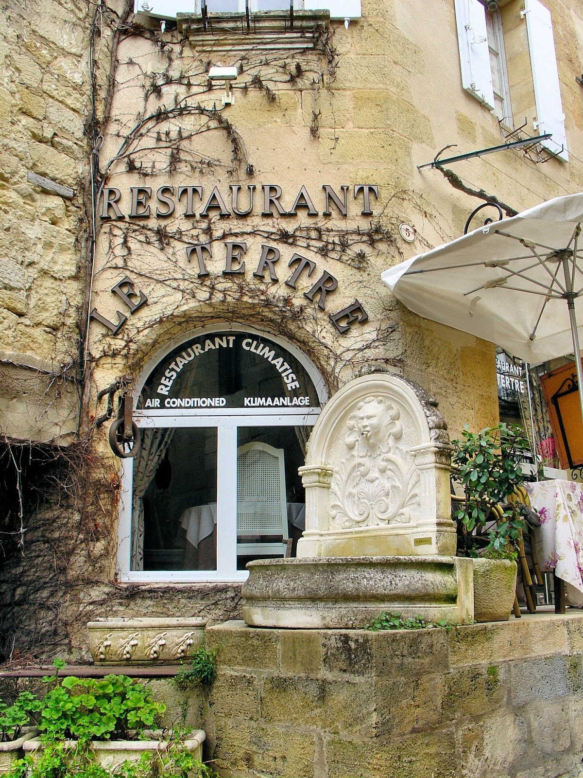Restaurant Le Tertre. Who wouldn't want to eat here?
