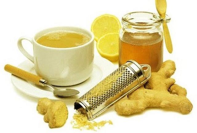 Uống trà gừng hoặc gừng thái nhỏ hòa với nước nóng sẽ chống đầy bụng