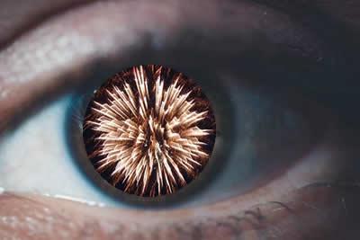 Eye and Cracker