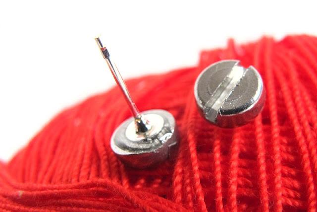 DIY oorstekertjes van vijzen /ear studs made from screws