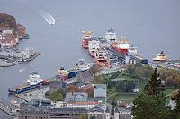 Skoltegrunnskaien, supplyskip. Foto Tore Sætre wikimedia. Lisens cc-by-sa-4.0