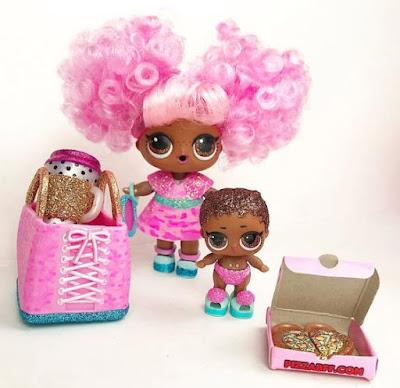 Большая и младшая сестрички из розового чемоданчика Лол Декодер