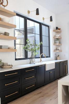 cozinha decorada em preto e branco