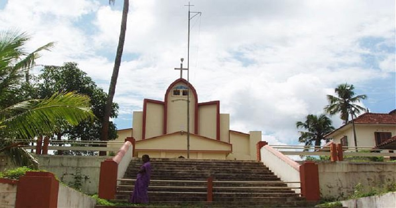 Police to hand over cuttings to Orthodox church Protest of the Jacobite sect at the mosque,www.thekeralatimes.com