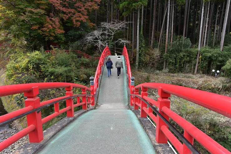 観音橋を渡っている途中