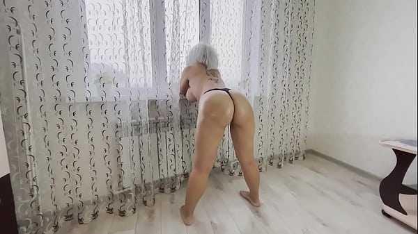 Loira fazendo anal de quatro safada tomando no cuzinho