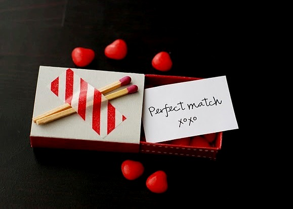 DIY Matchbox Love Notes for Valentine's Day - via BirdsParty.com