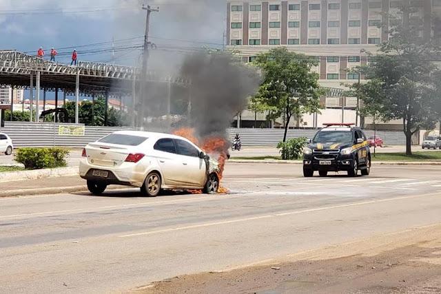 Carro pega fogo na BR-319 centro da Captial Porto Velho em Rondônia