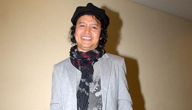 Biografi Lengkap Andrea Hirata , Penulis Novel Inspiratif Laskar Pelangi !