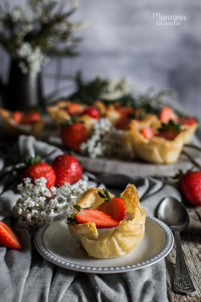 Tartaletas de yogur y fresas. Receta muy fácil.