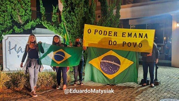 República de Curitiba cobra o ministro Edson Fachin