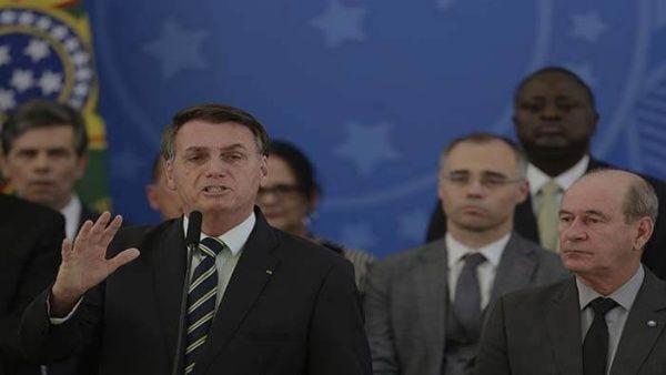 Bolsonaro bloquea fondos para lucha contra la Covid-19