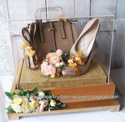 Kotak Tidak Dijual Hanya Disewakan Saja Harga Untuk Min Sewa  Box Boleh Mix Dengan Box Perhiasan Cincin
