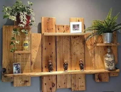 Hiasan dinding dari kayu jati Belanda