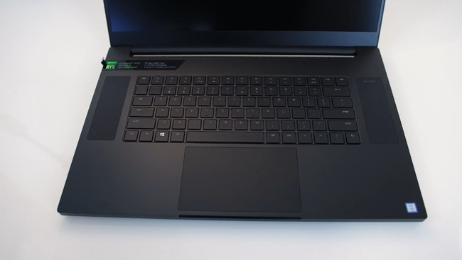 The interior of this Razer gaming laptop is made up of aluminum to minimize the flex occurs.