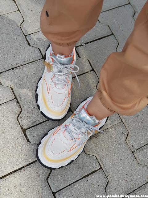 Hologram ayakkabı modelleri