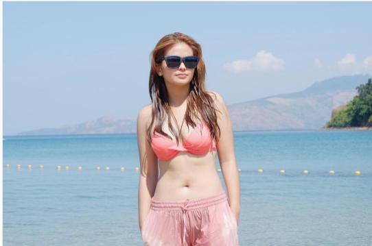 Netizens Bashed Bea Binene's Bikini Photo! 'Halatang ingitera!'