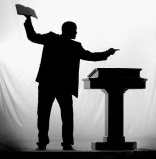 Condenan pastor abusó y embarazó menor, le decía que iría al infierno si no aceptaba