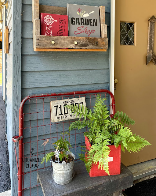 Simple and Rustic Covered Patio Decor #windowsign #upcycle #stencil #ferns #violets #oldsignstencils