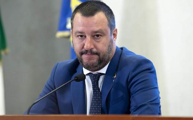 Ο Σαλβίνι ενώπιον μίας κρίσιμης απόφασης: Με την Ευρώπη ή με τον Τραμπ;