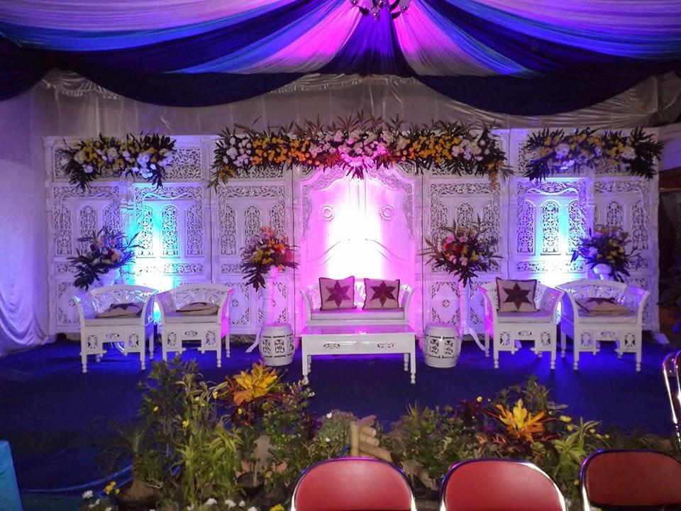 dekoras pernikahan putih