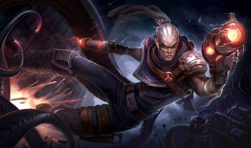Người chơi đừng quên trang bị cho Lucian những vật dụng để tăng thêm sức mạnh trong chiến đấu
