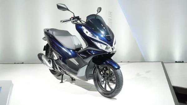 Inilah Kelebihan Honda PCX Hybrid Terbaru Yang Mejeng di IIMS