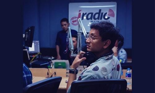 namanya mulai dikenal publik sesudah ia terpilih mewakili Indonesia untuk menerima pengaj Biodata Antonius Aninditya Abirama Si Penyanyi Didikan David Foster