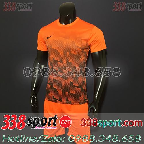 Áo bóng đá màu cam