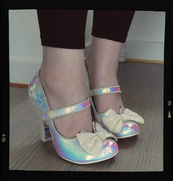shoe bloggers feet wearing Irregular Choice holographic bow shoes