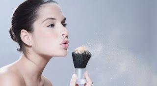 4 أخطاء تجعل من روتيننا التجميلي خطراً في زمن الكورونا