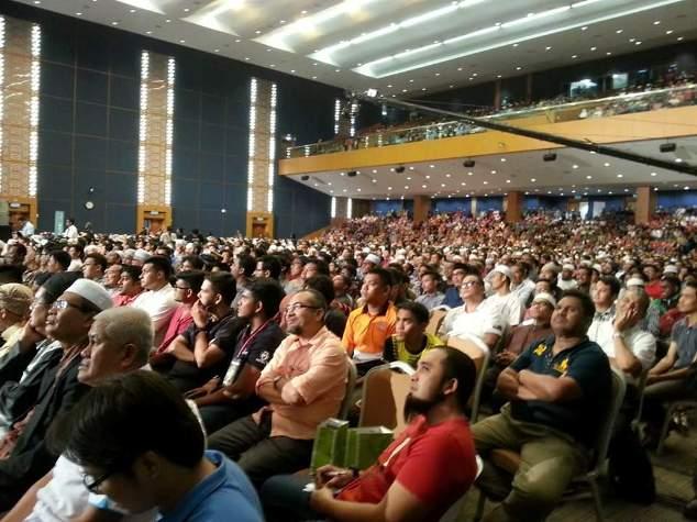 Lebih 20,000 Hadir Ceramah Dr Zakir Naik Di UTeM