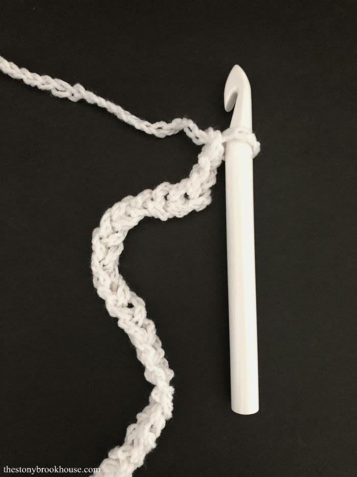 Crochet 1 chain