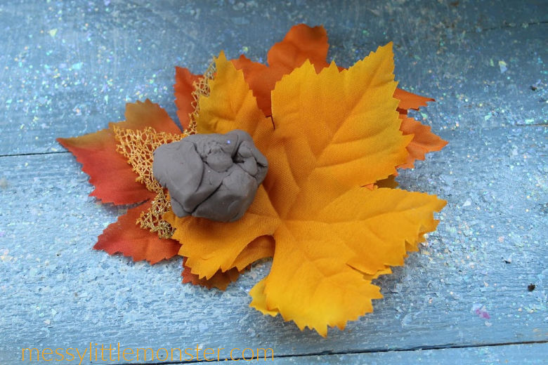 autumn activity for toddlers and preschoolers