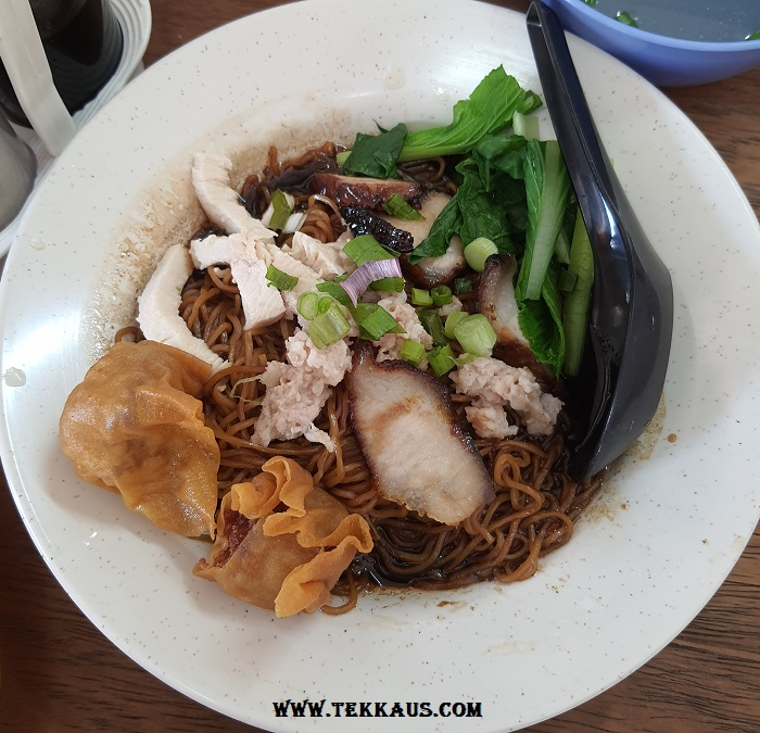 Lunch at Kedai Kopi Ho Ping George Town Wan Tan Mee