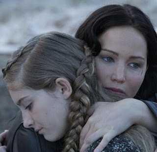 Katniss and Prim in a photo from Catching Fire